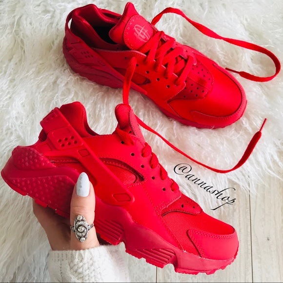 9c591613dade NWT Nike ID Custom Air Huarache Run Triple Red